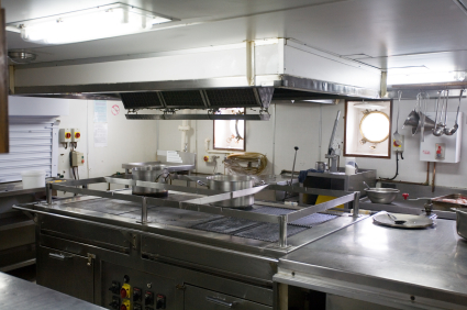 Well maintained galley kitchen thanks to Offshore Support